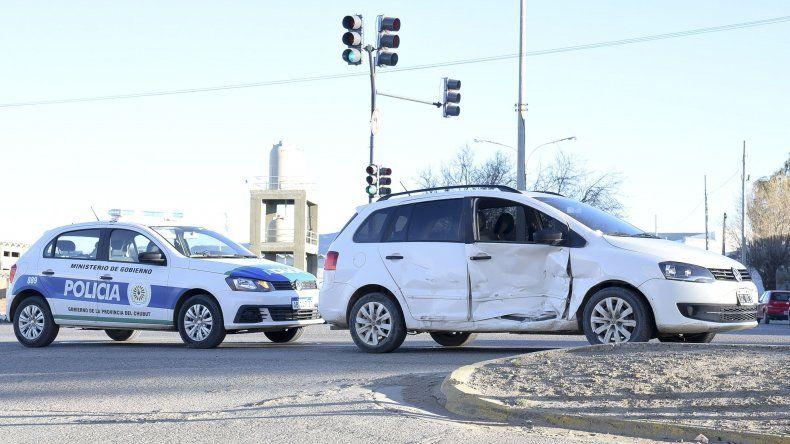 Los cruces de la avenida Yrigoyen se tornan peligrosos. Ayer a la mañana un choque terminó con una mujer herida.