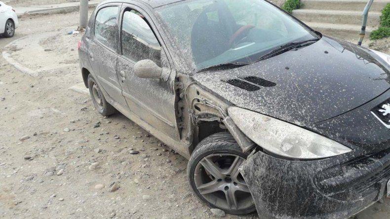 El vehículo fue robado en el Centro y apareció abandonado dos días después en el barrio Moure con signosde haber sido chocado.