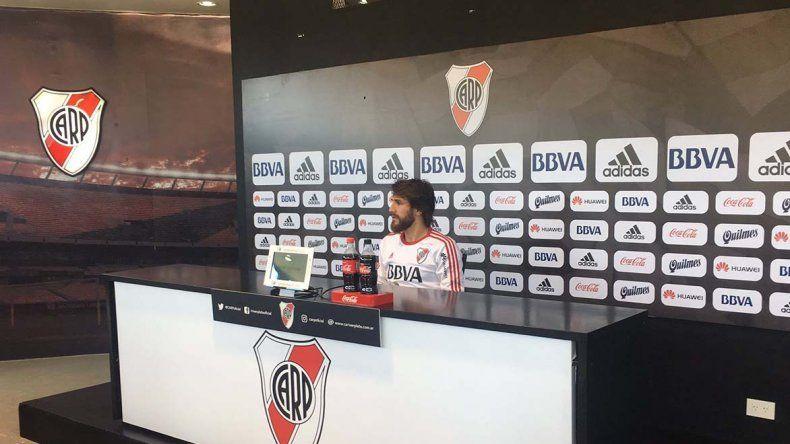 Leonardo Ponzio durante la conferencia de prensa que brindó ayer.
