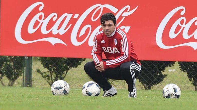 Marcelo Gallardo observó la última práctica y definió la lista para la pretemporada en el exterior.