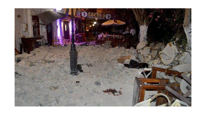 Fuerte terremoto sacudió a Grecia y Turquía: hay al menos dos muertos