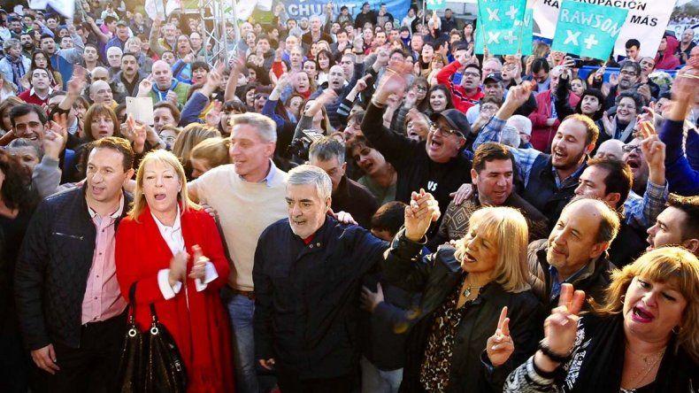 El gobernador Mario Das Neves encabezó en la tarde de ayer la inauguración del local del frente electoral en Rawson.