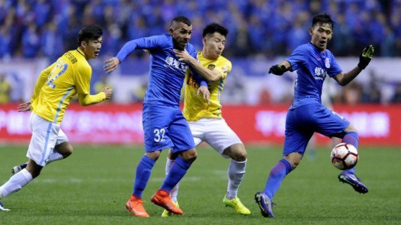 Otra derrota del Shenhua con Tevez como titular