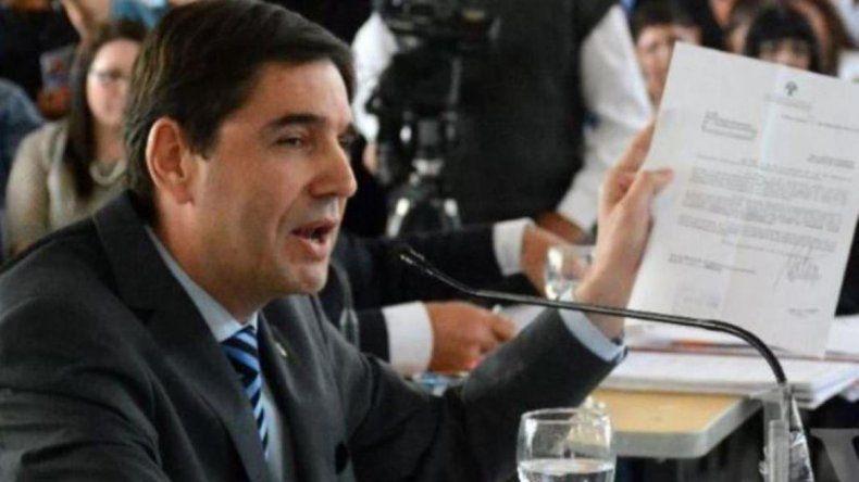 El concejal Pablo Calicate (FpV) dijo que tiene previsto invitar a un plenario al denunciante del intendente Facundo Prades y solicitar que el cuerpo se constituya en parte querellante.