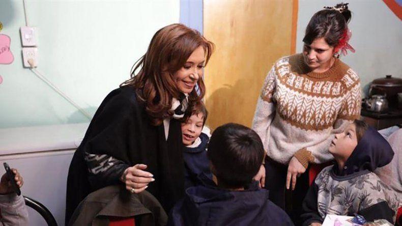 La precandidata a senadora nacional visitó a mujeres en el marco de su campaña electoral de cara a las PASO.