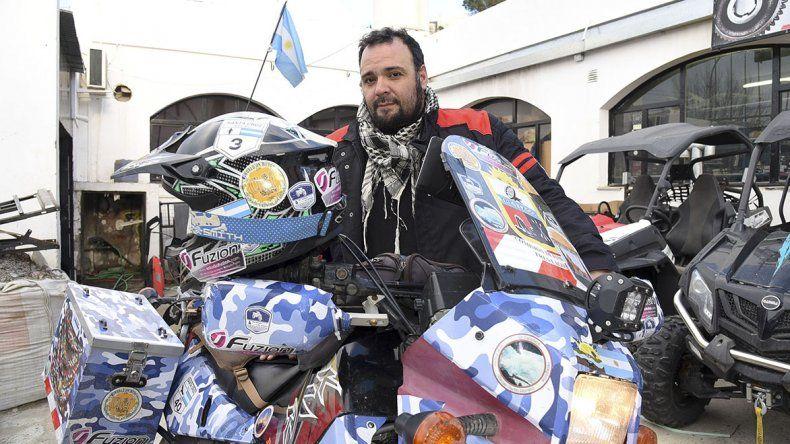 El chef Jorge Rey Grange quiere recorrer el mundo en moto y entrar al libro de los récords Guinness.