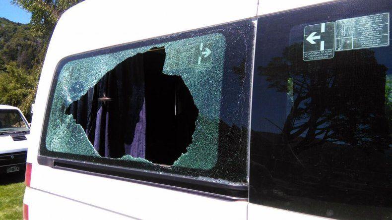 Piden la detención del hombre que le tiró una piedra a Macri
