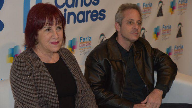 Los periodistas Marcelo Fernández Bitar y Cynthia Lejbowicz fueron los encargados de cerrar la segunda jornada de la Feria del Libro con la charla: Historia