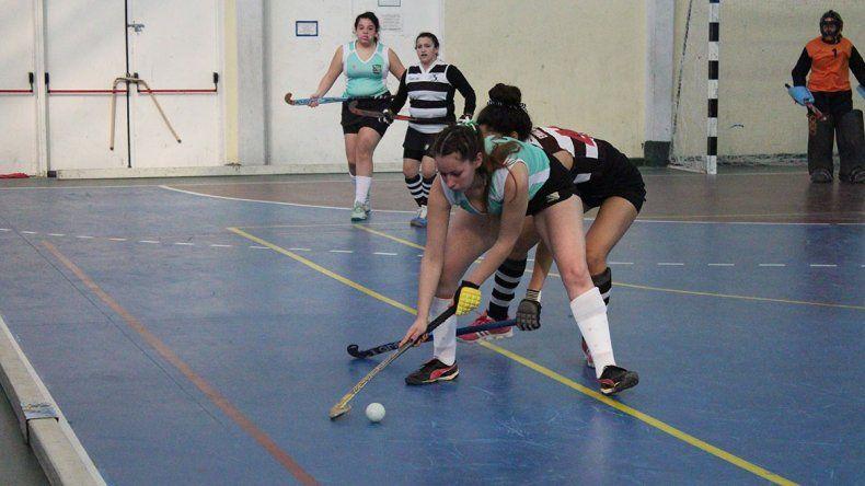 San Jorge de Caleta Olivia goleó 10-0 a Laprida en Primera Damas.
