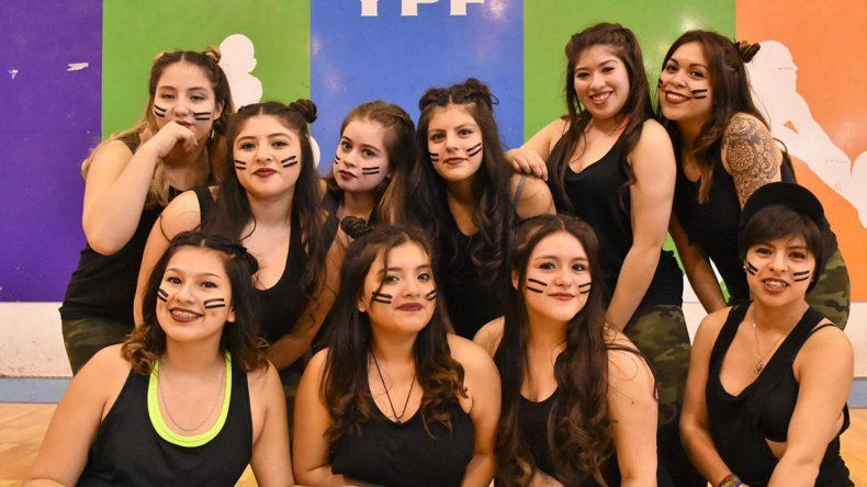 Uno de los grupos de chicas que fueron animadoras del encuentro de Gimnasia Aeróbica Infantil y Ritmos.