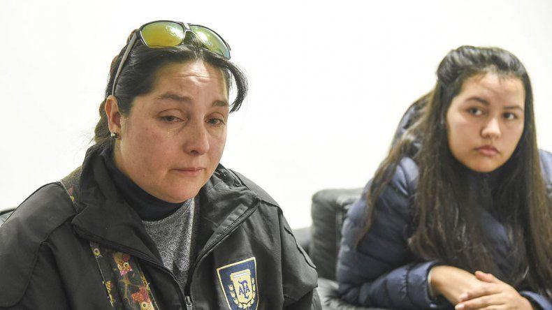 Jaqueline Fernández y Celeste Campillay lamentaron la triste situación que le toca atravesar a la adolescente luego de que le prohibieran el ingreso a la escuela por una deuda.