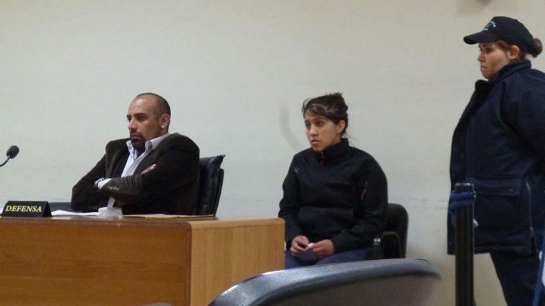 Juliana Uribe continuará detenida con prisión preventiva porque ayer un tribunal colegiado confirmó la resolución del juez natural. La defensa pidió el arresto domiciliario.