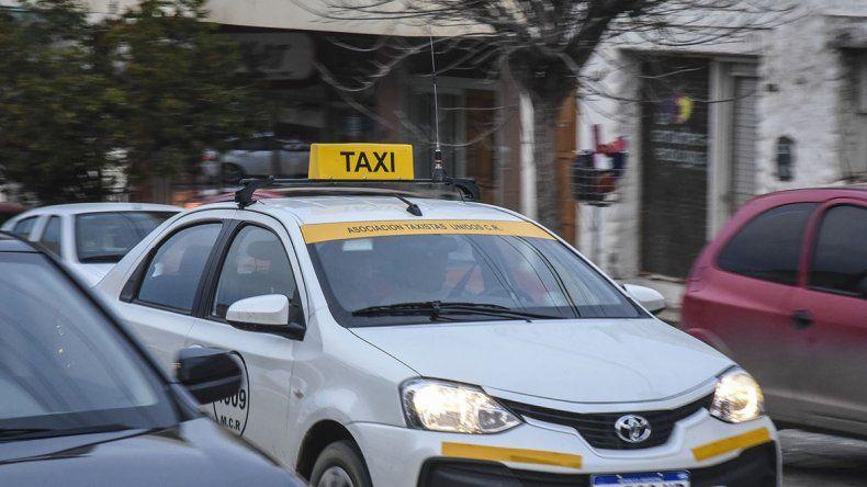 Asaltaron y golpearon a un taxista en el Pietrobelli