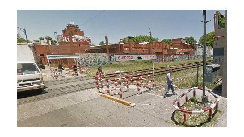 Un joven murió al ser embestido por el tren en Palermo