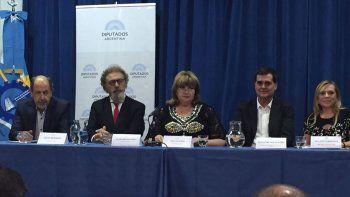 Legisladores nacionales por Chubut ratificaron un protocolo ambiental para impulsar políticas de protección de los recursos naturales, ante la instalación de una planta nuclear en Río Negro.
