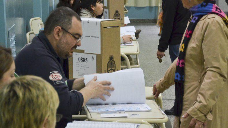En Comodoro Rivadavia están habilitados para sufragar el domingo más de 143 mil ciudadanos.
