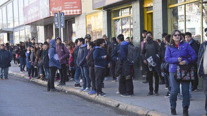 Choferes de Patagonia anunciaron que mañana levantan el paro