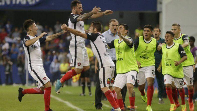 San Lorenzo pretende festejar esta noche su pase a cuartos de la Libertadores