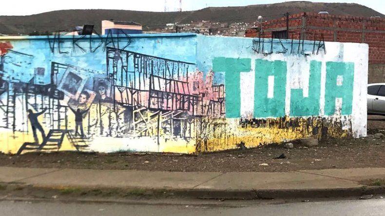 La Agrupación Petroleros en Lucha del dirigente Juan Toja Carbajal deberá pagar una multa de 21 mil pesos por haber dañado el Mural de la Memoria