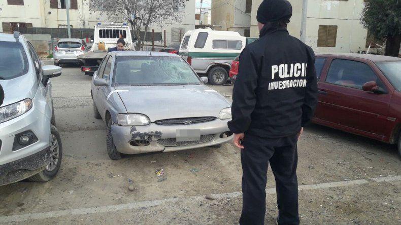 El vehículo que la Brigada de Investigaciones recuperó ayer en las 1008 Viviendas.