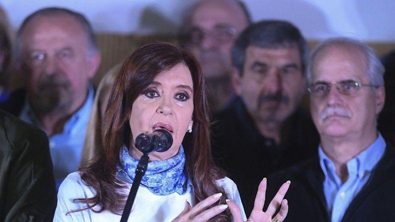 Cristina cerró en la Universidad de La Matanza su campaña de cara a las PASO como precandidata a senadora nacional por Buenos Aires.