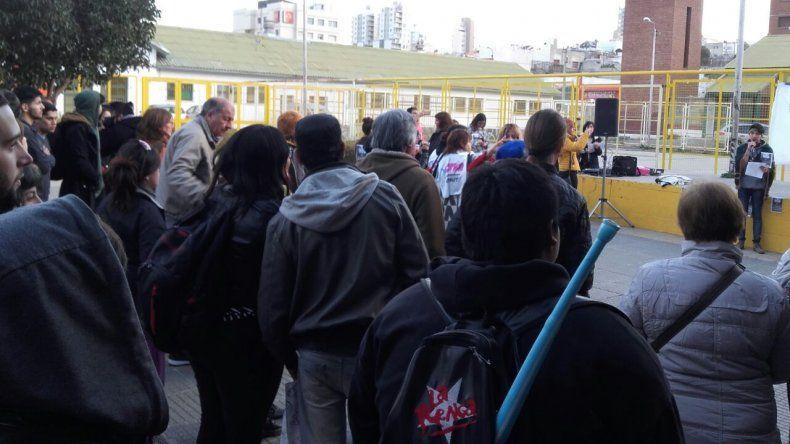 Más de un centenar de personas marcharon en Comodoro por Santiago Maldonado