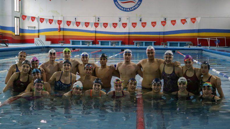 El equipo de natación a pleno