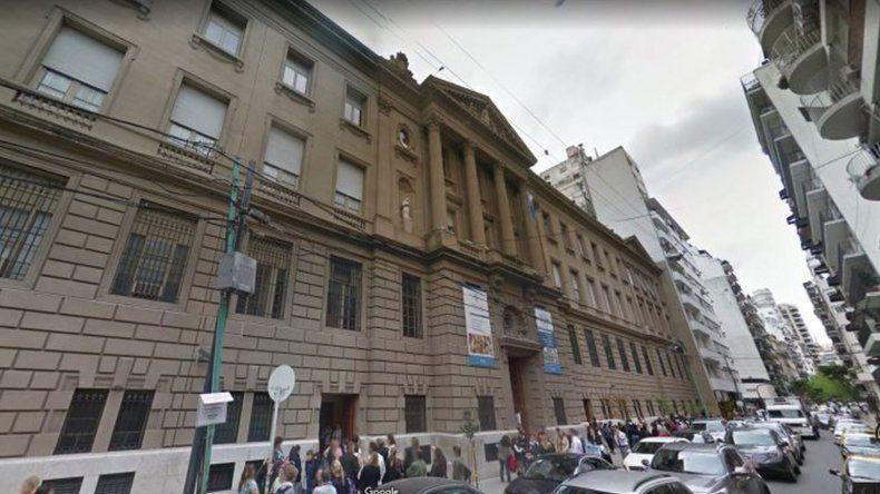Separan a director de colegio porteño por presunto abuso sexual