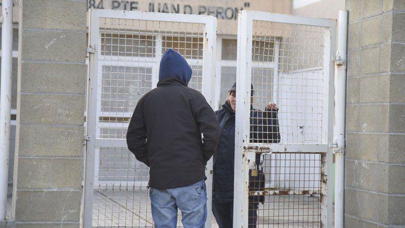 En Comodoro varios se quedaron sin votar por llegar luego de las 18