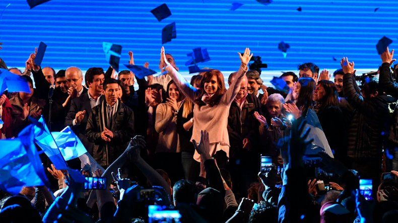 La expresidente Cristina Fernández de Kirchner dijo que fue un bochorno el recuento de votos en la jornada del domingo.