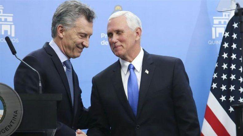 El vice de Trump celebró los audaces programas de cambio de Macri
