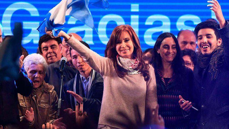 El resultado del escrutinio definitivo dilucidará si Cristina Fernández de Kircher cosechó más votos que el exministro de Cambiemos