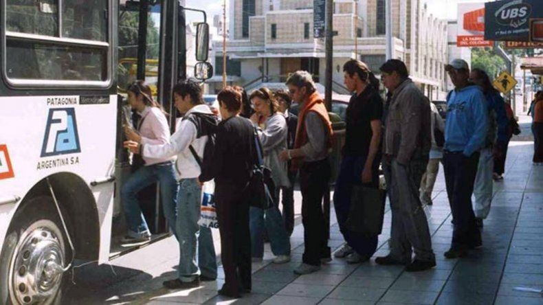 Los trabajadores cobraron y garantizan el servicio de colectivos