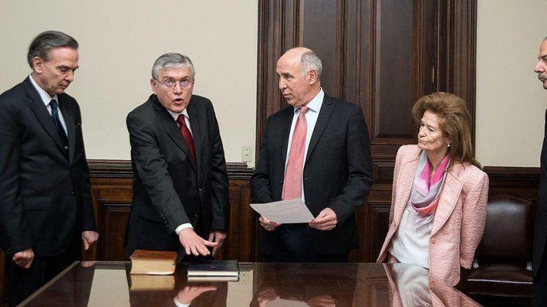 El senador Juan Mario Pais al prestar juramento ante la Corte Suprema.