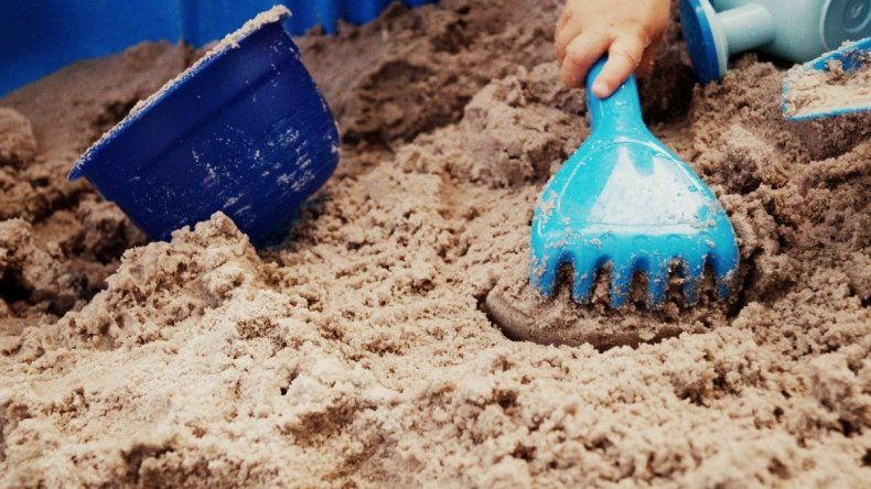 Jugar con arena tiene múltiples beneficios