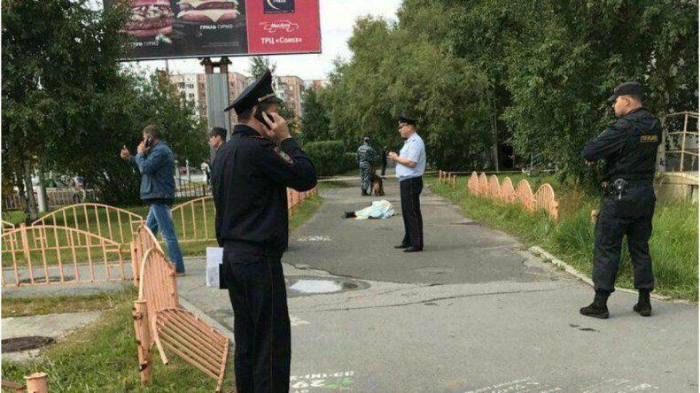 Un hombre armado con cuchillo y un hacha hirió a ocho personas