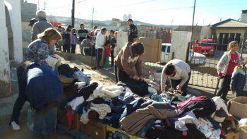 Entregan y reciben donaciones en el barrio Juan XXIII