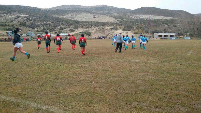 Las chicas tuvieron acción ayer por la tercera fecha del torneo oficial de rugby.