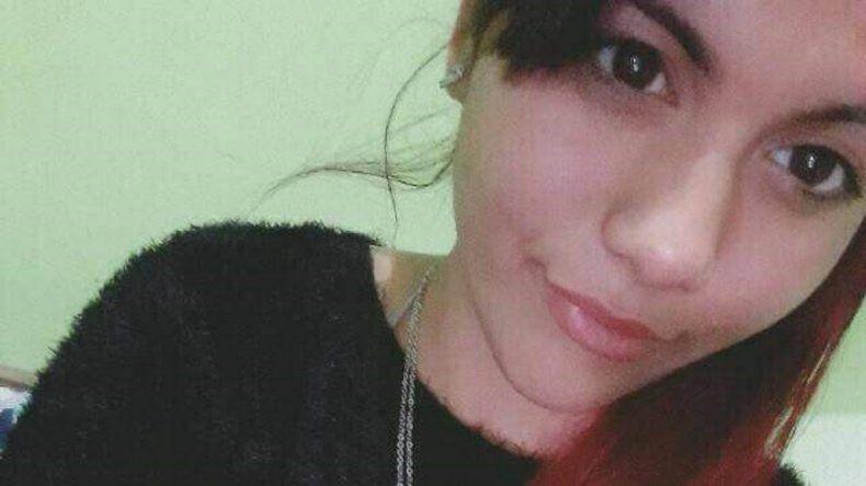 Buscan a menor de 15 años desaparecida tras salir del colegio