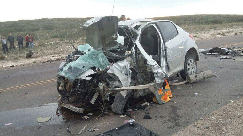 Tres fallecidos tras choque frontal en Ruta 3