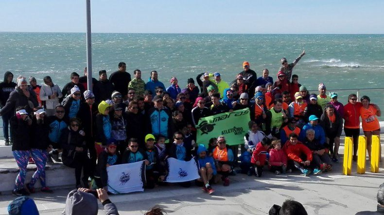 Ciento cincuenta corredores animaron la corrida solidaria que juntó alimentos no perecederos.