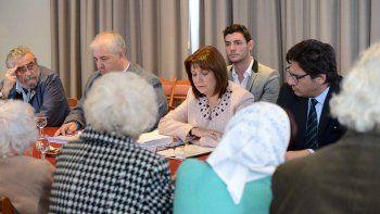 El encuentro que ayer en Buenos Aires mantuvieron Bullrich y Garavano con referentes de Derechos Humanos.