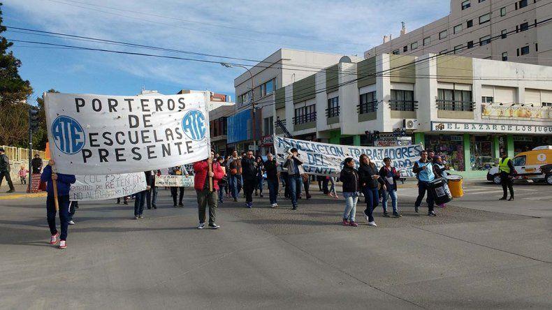 Trabajadores de ATE se movilizaron por la calle San Martín