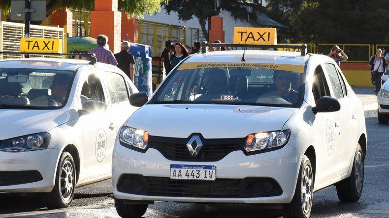 El aumento tarifario sugerido por el Ejecutivo para el servicio de taxis es del 32