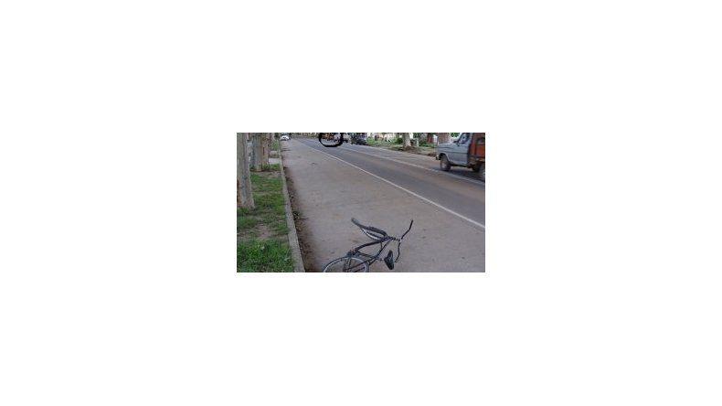 Secuestraron a un joven cuando llegaba en bicicleta a su casa