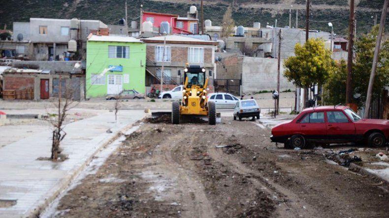 El municipio continúa con los trabajos de recuperación de la trama vial de la ciudad.
