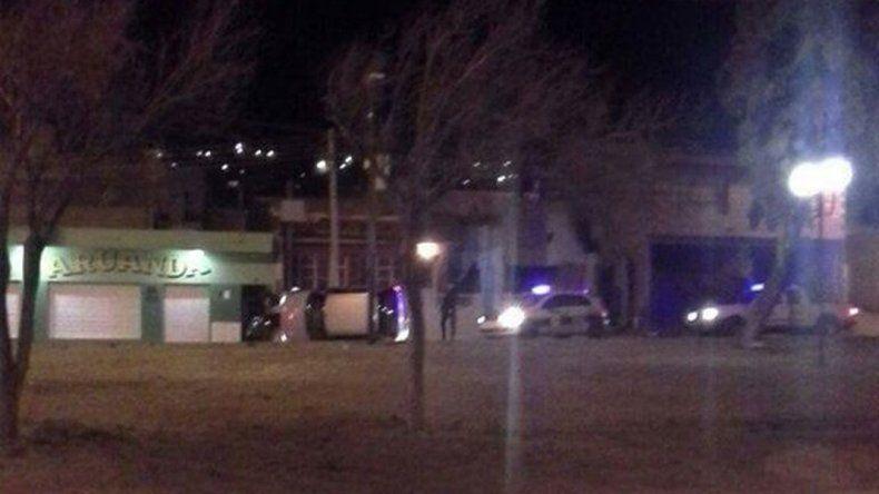Una mujer volcó en plena Rivadavia esta madrugada