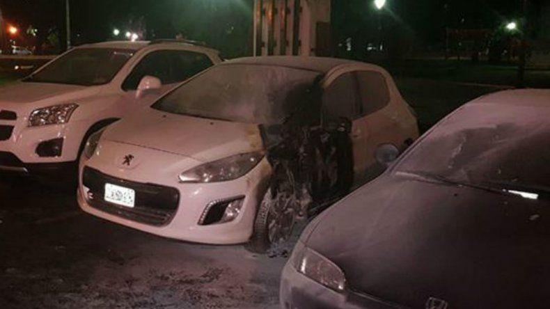 Los atentados incendiarios que se registraron durante la noche del jueves en La Plata.
