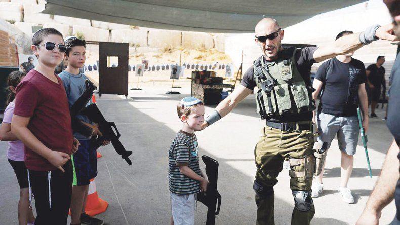 Lo insólito II: Empresa israelí recrea campos de  entrenamiento para turistas en Cisjordania