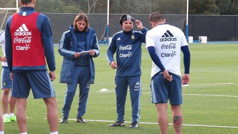 Jorge Sampaoli junto a su cuerpo técnico comenzará hoy la preparación para los próximos partidos de las Eliminatorias Sudamericanas.